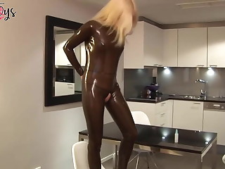 German Lisa puts on a Latex catsuit