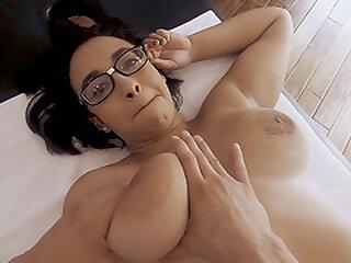 Thick Beauty Emori Pleezer Receiving a Massage and a Huge Dick