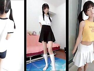 Asiático schoolgirl teenie babe jóvenes COÑO espectáculo en cam consigue follada
